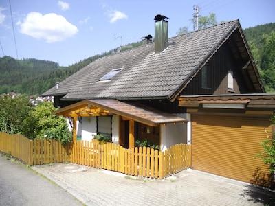 Haus Eitel im Sommer