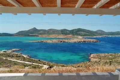 Terrasse avec vue sur la mer et sur Despotiko
