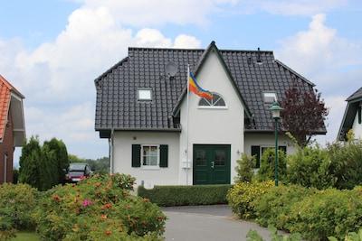 Haus von der Straßenseite