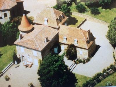 Vue aérienne maison et chevet de l'église St Laurent.