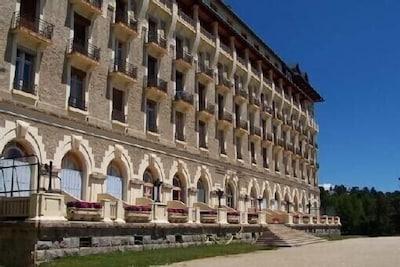 Le grand Hôtel de Font Romeu.