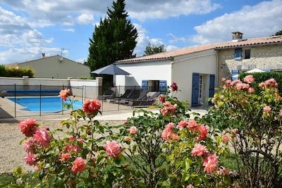piscine entièrement privative, sécurisée et chauffée
