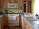 Fully equipt kitchen.