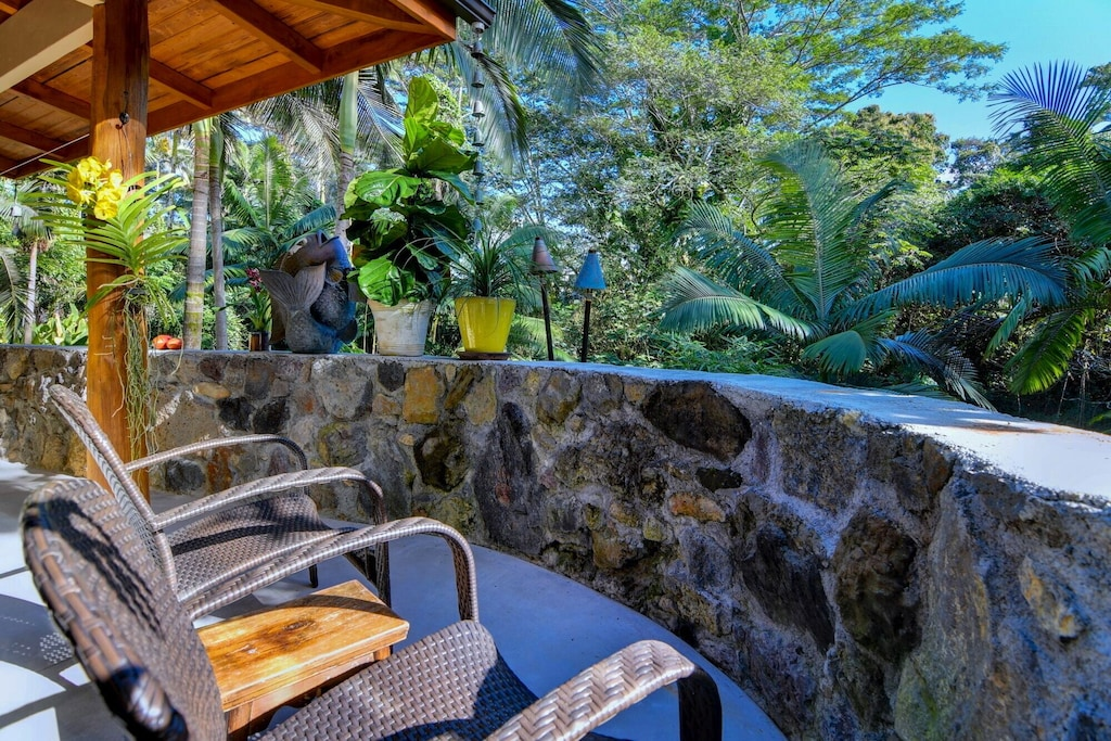 This rental house in Hilo Hawaii is one of the best places to stay on the Big Island