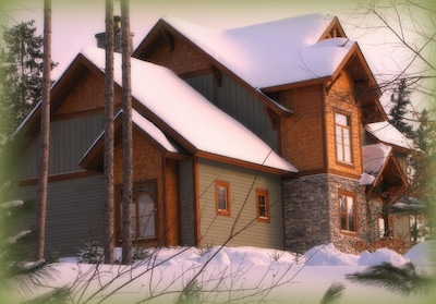 Magnificant mountain home in the heart of Tremblant village!