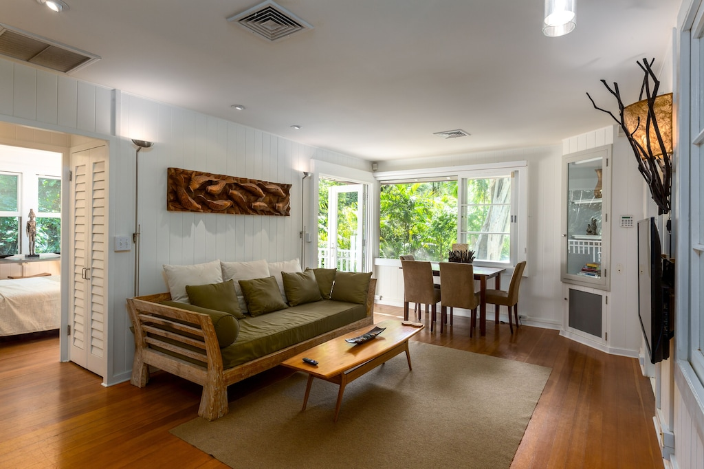 Neutrally toned interior of a home rental in Hawaii
