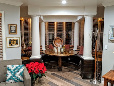 The dining area is a great space to entertain and dine with family & friends.