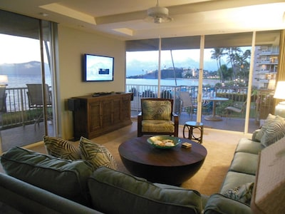 LIVING ROOM WITH VIEWS OF BLACK ROCK AND ISLANDS
