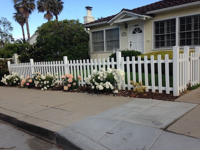 Beach Cottage in La Jolla, California. 3 blocks walk to the beach