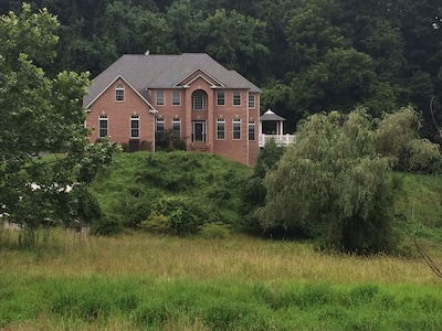 Surrounded in 5 acres of woods and nature, full of wildlife in a secluded settin