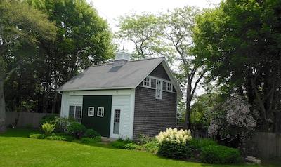 Martha's Vineyard Chamber of Commerce, Vineyard Haven, Massachusetts, United States of America