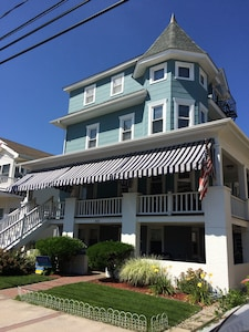 First floor for rent, completely renovated! Easy walk to beach, boards, downtown
