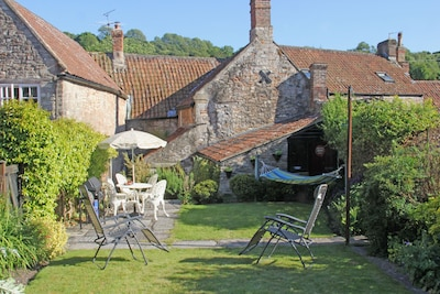 Charming 17th Century Cottage In Croscombe, Somerset