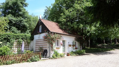 outside Cottage 2020