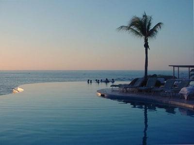 Punta Mita Four Seasons Infinity Pool