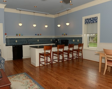Kitchen and dining area.
