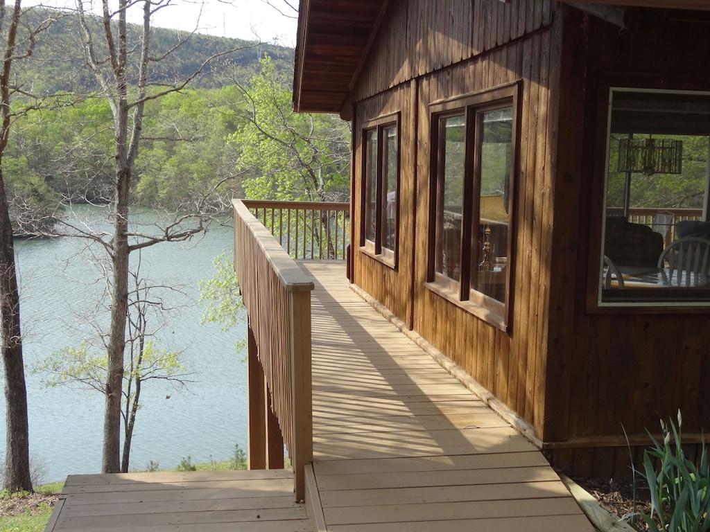 Cabin 3 Smith Mtn Lake Views Waterfront Pet Free No Wake Cove Dock