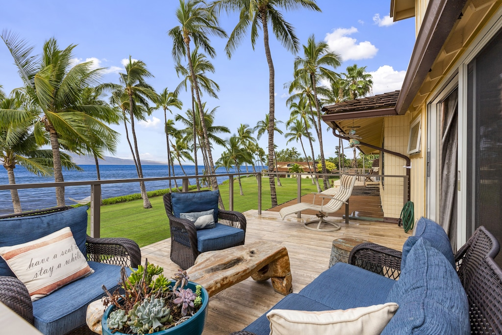 Terrace of a condo in West-Maui