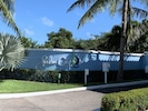 Palm Cay Entrance
