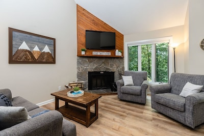 Welcome to Mountain Memories Condo, at Three Ridges, close to all the action!
