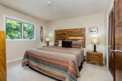 Sleep well in the Master Bedroom with a King Size bed.