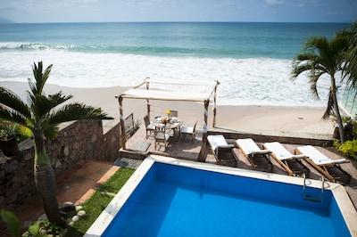 Pool, Deck & Beach