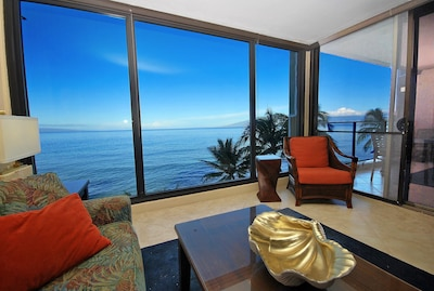 Incredible Views from the Direct Oceanfront Location!