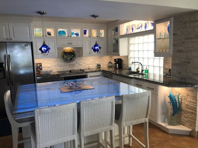 Fully equipped Kitchen.  Beautiful accent lighting for your enjoyment.