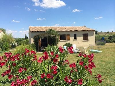 Villa moderna en el corazón de la región vitivinícola