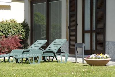 Appartement spacieux et accueillant au rez-de-chaussée avec jardin privé