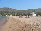 La plage est à 15 minutes à pieds ou à 5 minutes en voiture avec parking gratuit