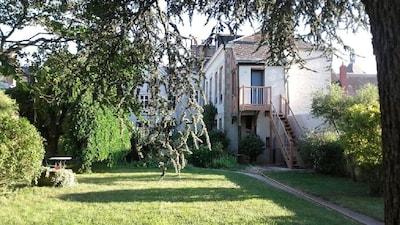 Neuville-aux-Bois, Loiret, France