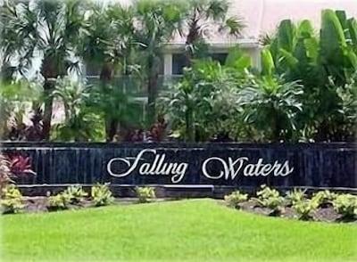 Falling Waters entrance
