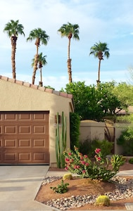 Welcome to our vacation condo. Pleasing desert landscaping greets you, ...