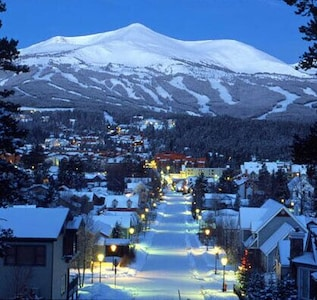 Breckenridge....the perfect ski town!