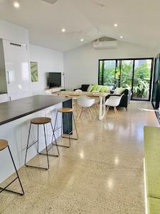 Tropical open living