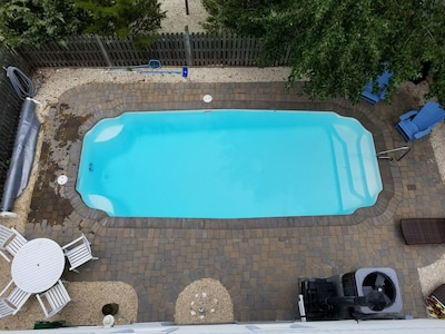 Heated pool,88F, with pavers