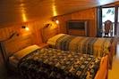 upstairs twin bedroom (low ceiling!)