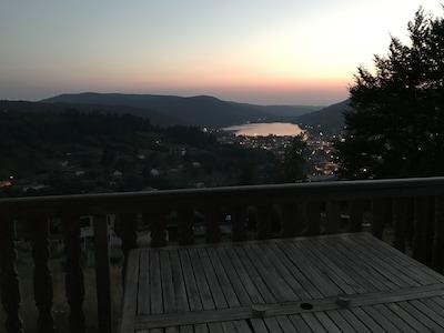 Soirée d'été en terrasse.