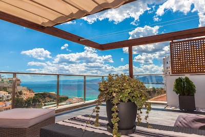 SOL & PLAYA. Terraza Chill-out, A/C, vistas al mar, piscina & WIFI. 4 hab dobles