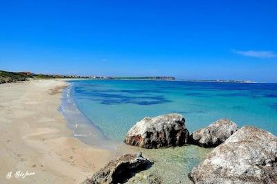 Casa Vacanze Saroccahouse 200 metri dalla spiaggia, giardino, parcheggio privato