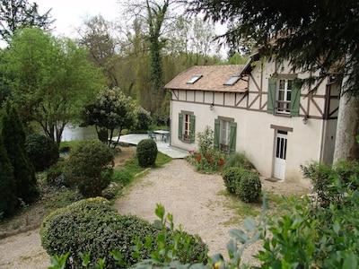 vue de la maison avec terrasse
