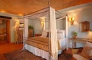 King Master Suite w/Ensuite Bath, TV, & A/C