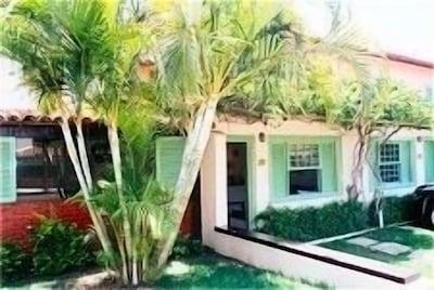Casa 60m2, condomínio, próxima  principais praias - 1 suite