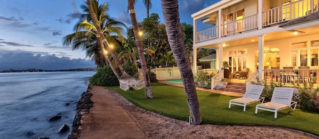 Beachfront house rental in Maui