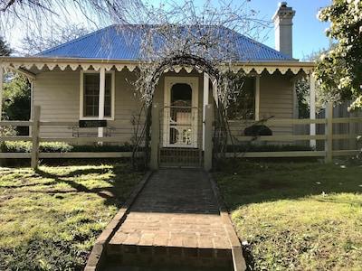 Calderwood, Wollongong, New South Wales, Australia