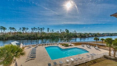 Large L Shaped Pool and Hot Tub next to the Intracoastal Waterway