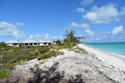 very private home on 4.1 beach front acres property to the east is on 20 acres