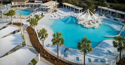 Newly renovated Seabrook Island Club's Beach Club with 2 pools & restaurant!
