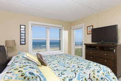 Master bedroom, beautiful ocean view